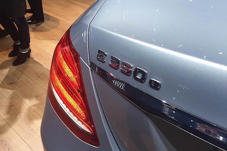 奔驰E350e.jpg