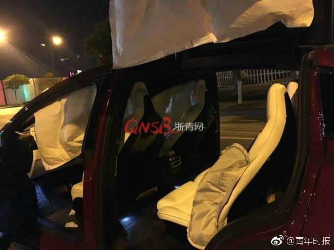 杭州特斯拉Model X怠速时8安全气囊弹出-3.jpg