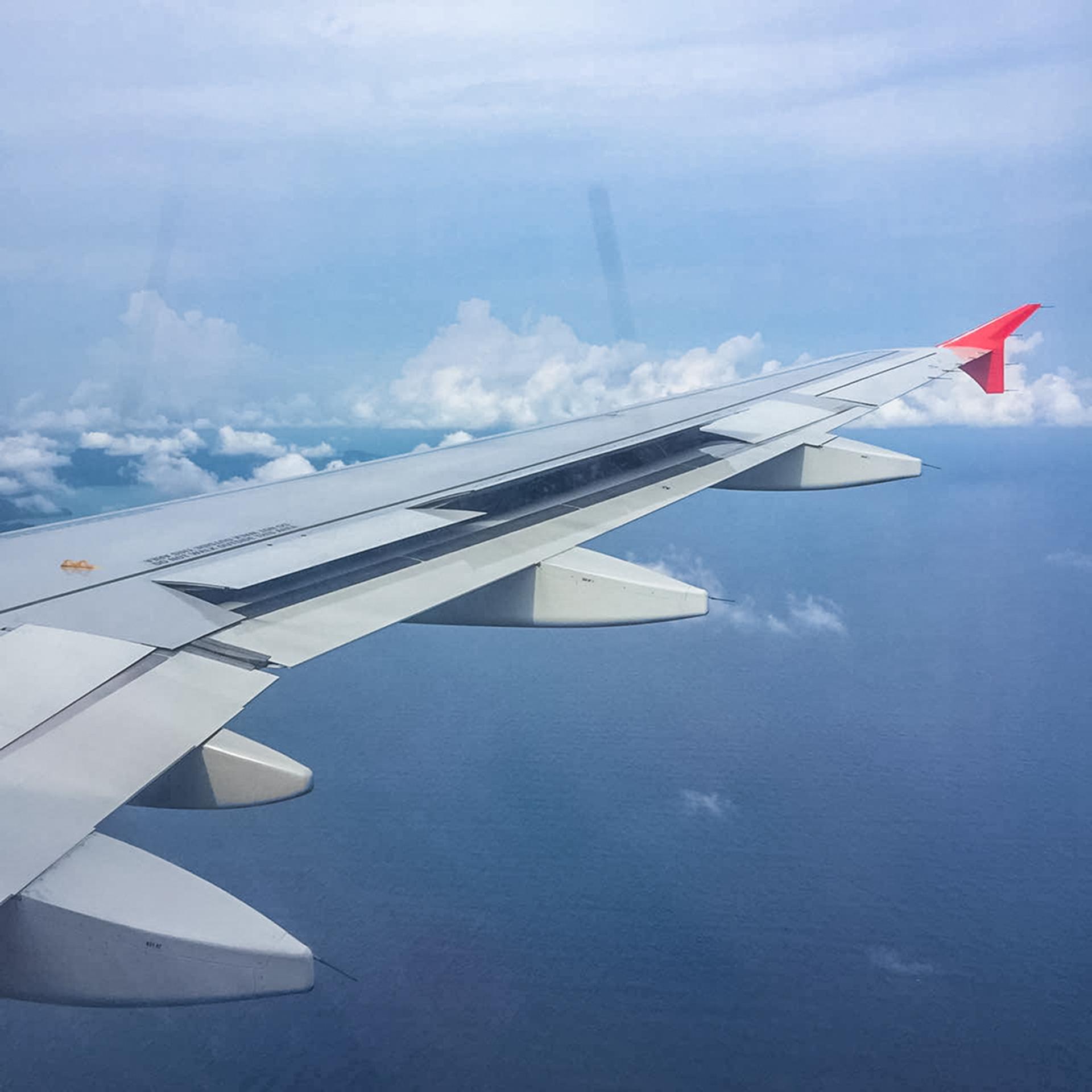 飞机上.jpg