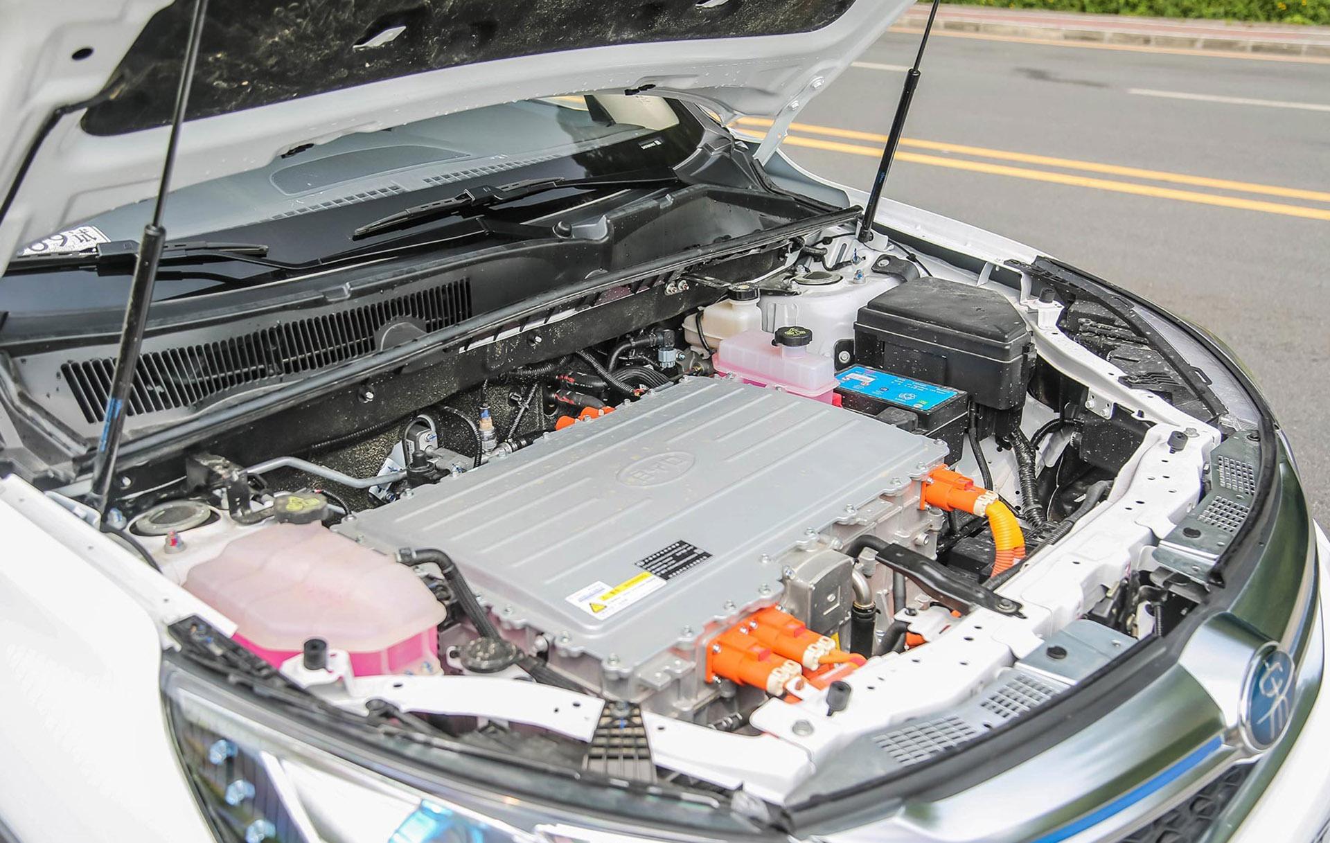 专业新能源编辑和你聊宋EV300核心技术功底